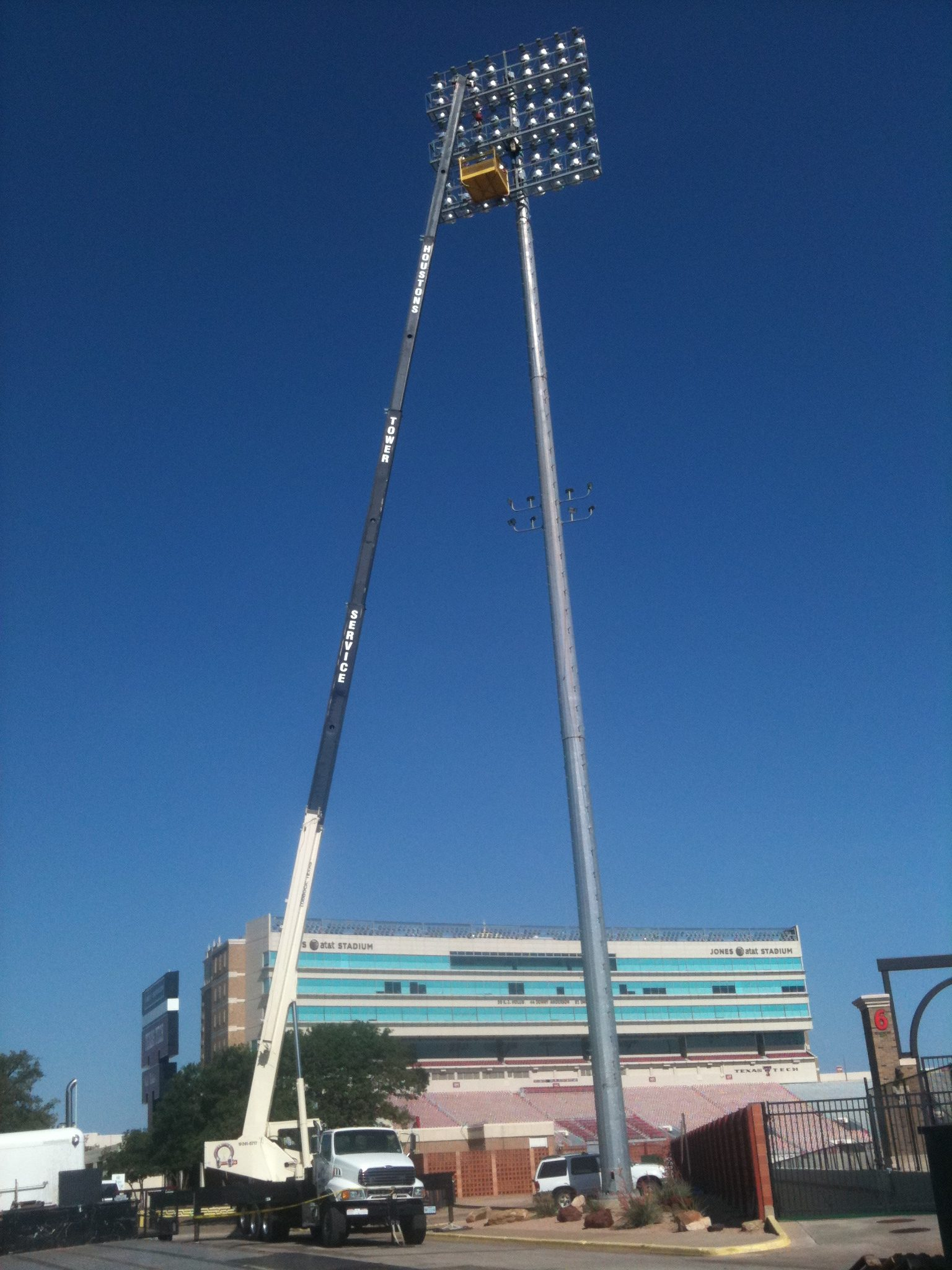 Crane Services Houston 39 S Tower Service In Lubbock Tx